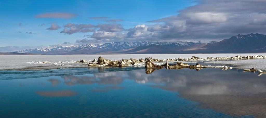 shutterstock_140046502 lake manasarovar tibet holy lake
