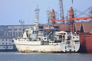 shutterstock_105964598 Tianjin, Ship maintenance in Port of Tianjin