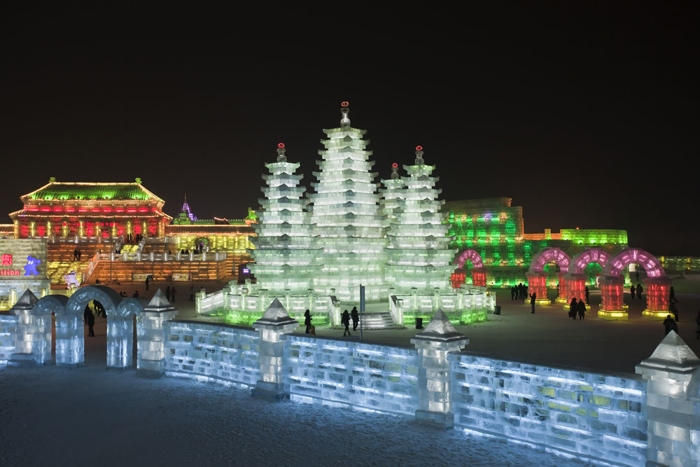 shutterstock_90356269 Heilonjiang, Illuminated buildings of ice blocks at Harbin Ice Sculpture Festival